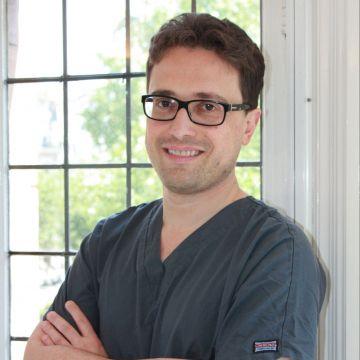 Dr Nicola Di Vitale
